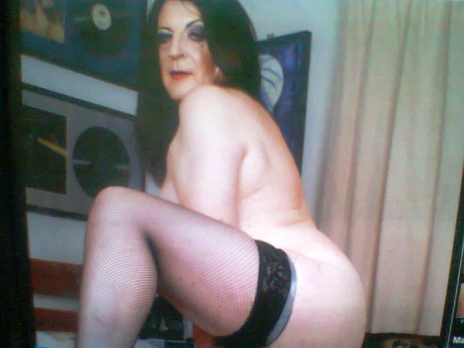 parecen las prostitutas de un western pero son las reinas magas follando con prostitutas rumanas